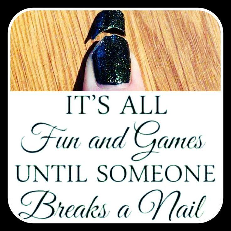 LET OP!! Ik fix binnen 2 weken afgebroken nagels kosteloos MAAR kom je voor je opvulbeurt met meer dan 3 nagels eraf dan hanteer ik de prijs van een nieuwe set ivm materiaalkosten. 💅❤😉