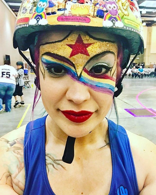 Day 17 of the #derbyphotochallenge: Bout makeup a WCW post. @tamdroid from the @chattanoogarollergirls is one of our ultimate bout makeup inspirations. Check out her profile for more awesome looks!