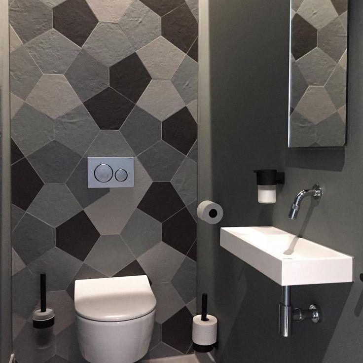 47 vind-ik-leuks, 1 reacties - Intercodam Tegels Amsterdam (@intercodam.amsterdam) op Instagram: 'Als je een sanitaire stop doet bij @studiokeesmarcelis, tref je dit aan. #sanitairopzaterdag…'