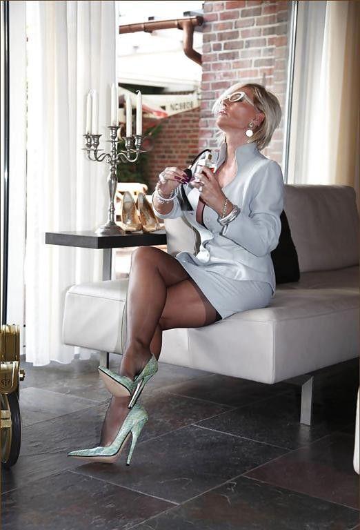 Lady Barbara Leg Pics 105