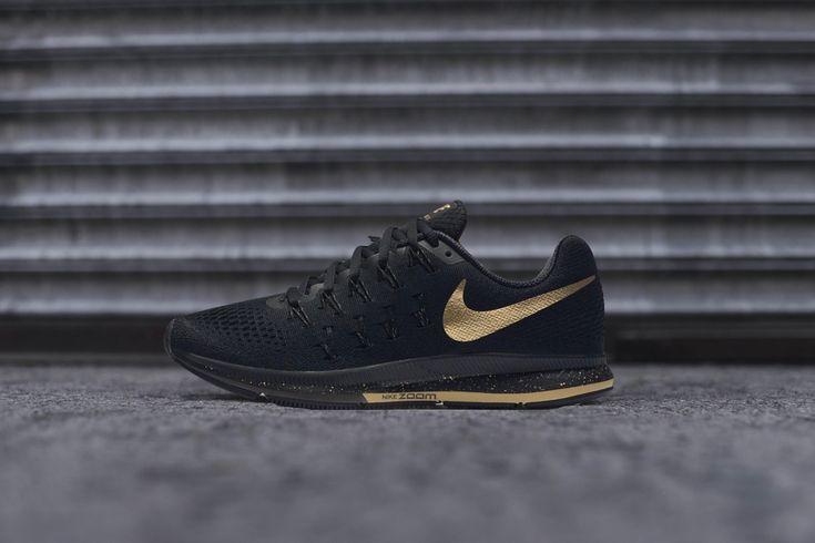 Women's Nike Air Zoom Pegasus 33 'Black and Gold'