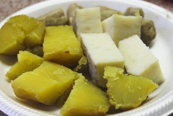 Comida típica de Puerto Rico  También fritas u horneadas, las viandas son un gran acompañante para las carnes y guisos. Un plato de arroz con pescado, o lechón sin viandas simplemente no es lo mismo.