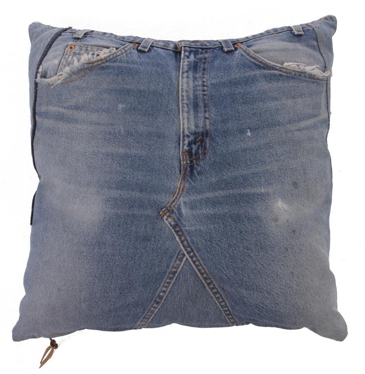 Denim Cushion Made Of Levi's Jeans - Matt Blatt
