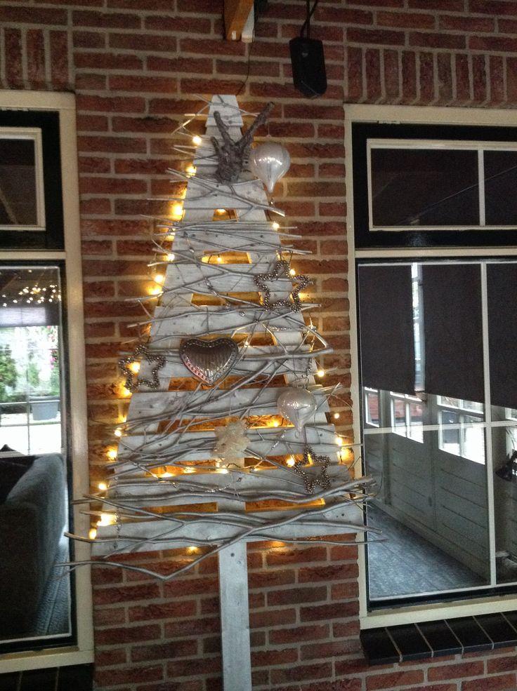Houten kerstboom zelf gemaakt