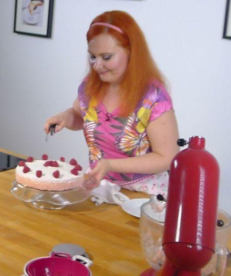 Farebná malinová torta | Casprezeny.sk