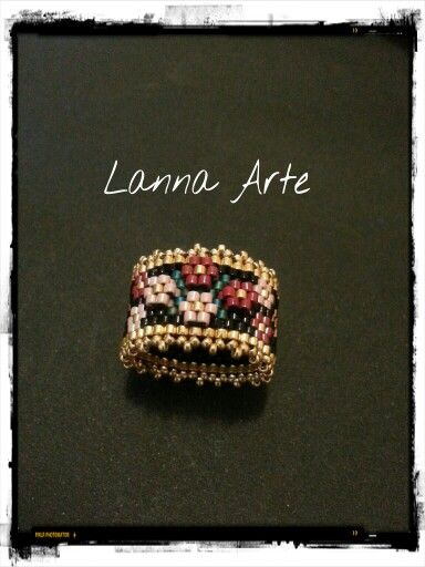 Peyote ring with 'appliqued' flowers