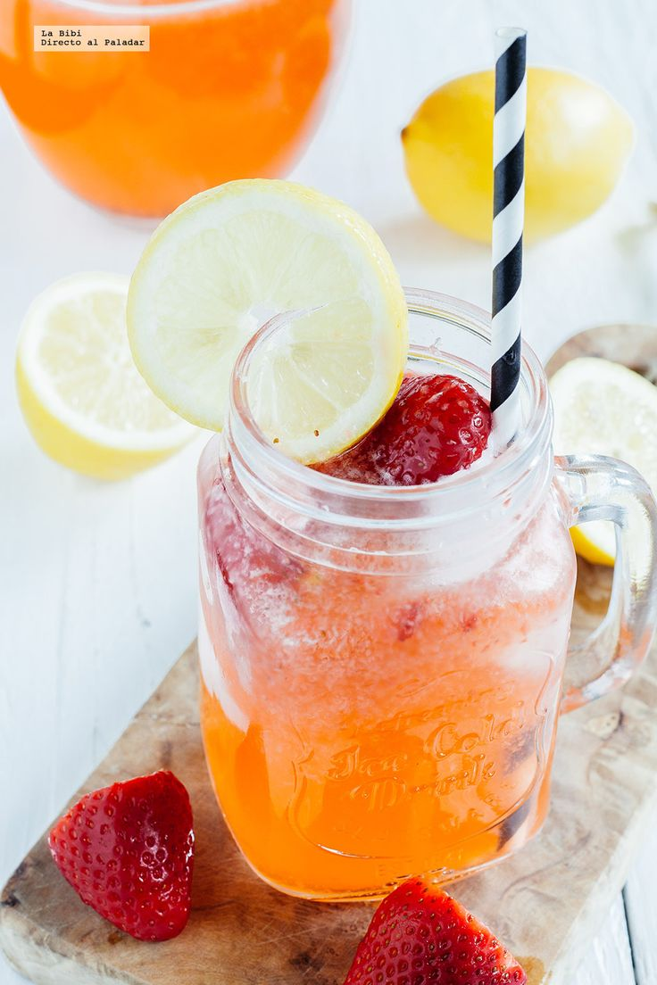 Receta de la limonada de fresa. Receta con fotografías de cómo prepararla y recomendaciones de cómo servirla. Recetas de bebidas de frutas naturales