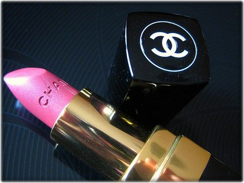 chanel: Bright Pink, Makeup Tools, Pink Colors, Makeup Collection, Beautiful, Pink Lipsticks, Chanel Pink, Lips Colors, Chanel Lipsticks