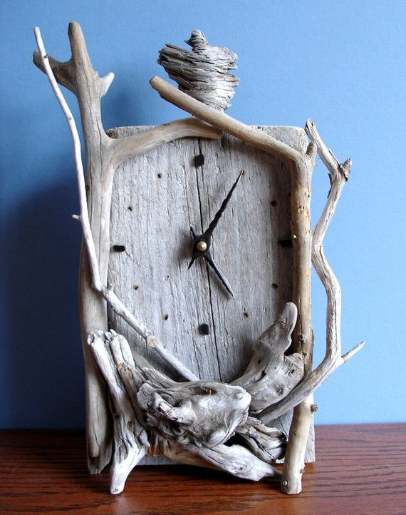 Whimsical Driftwood Clock - very cute!