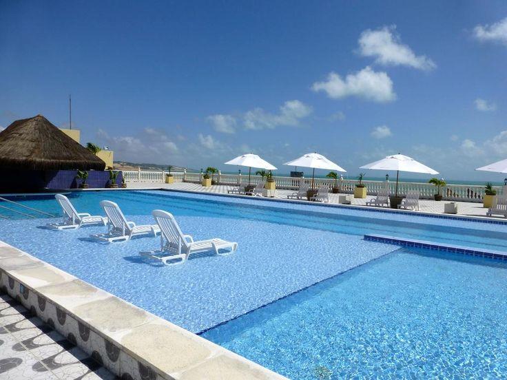 $41.154 El Kristie Hotel Natal, situado en plena playa de Ponta Negra, ofrece 2 piscinas para adultos, 1 piscina para niños, desayuno buffet y un solárium amplio.
