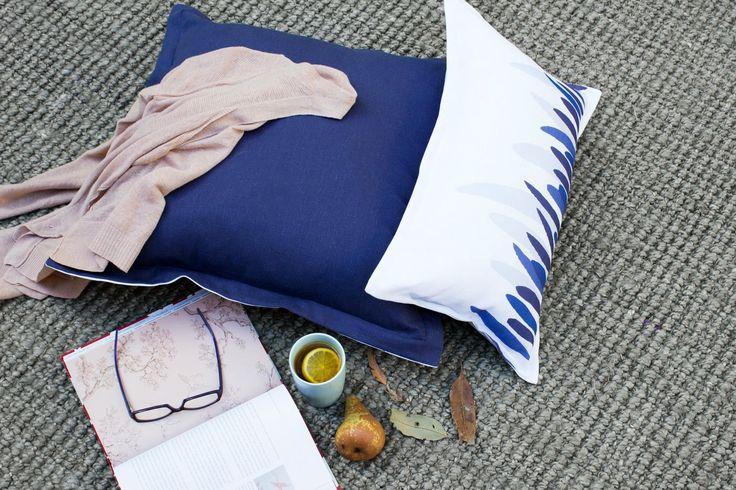 Dream a little dream... indigo blue and crisp white linen.