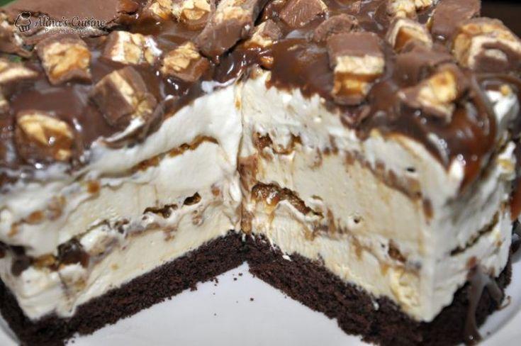 Tort inghetata Snickers — Alina's Cuisine