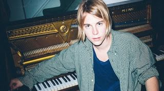SnapCacklePop Interview - Our interview with UK singer songwriter Tom Odell, where we talk his recent tour in US, his fans, new album, making the world a happy place and loads more. Check out the full interview now..!
