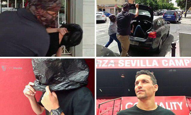 Sevilla 'kidnap' Jesus Navas from Manchester City