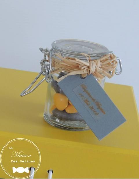 Bocal à confiture, contenant à dragées pour votre mariage ou le baptême de votre enfant http://www.maison-des-delices.fr/contenants-a-dragees-mariage-verre-382