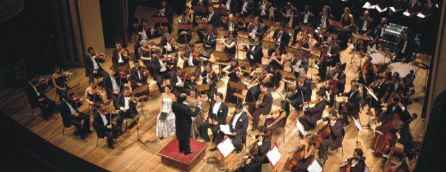 """A Orquestra Sinfônica de Heliópolis se apresenta na Sala São Paulo neste domingo, 10, em evento que marca a estreia do grupo na temporada 2011 e também marca a chegada do novo diretor artístico, Isaac Karabtchevsky. O concerto será o """"Sinfonia nº 2 em dó menor - Ressureição"""", de Gustav Mahler. A apresentação também contará...<br /><a class=""""more-link"""" href=""""https://catracalivre.com.br/geral/agenda/barato/orquestra-sinfonica-de-heliopolis-na-sala-sao-paulo-2/"""">Continue lendo »</a>"""