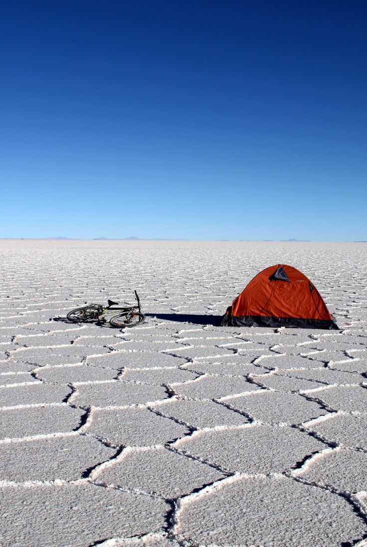 Salar de uyuni in bolivia everything you need to know about cycling around the world