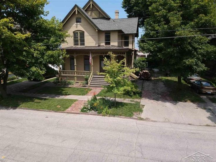 1884 Victorian in Saginaw, Michigan - OldHouses.com