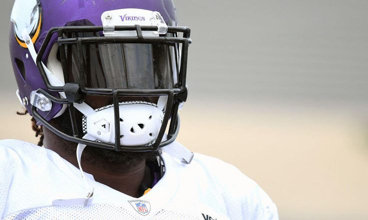 Vikings DT Sharrif Floyd staying positive through knee setback  Sharrif Floyd suffered a knee injury early last season to the extent that it's placed a question mark on his career heading forward. So how is the Minnesota Vikings defensive tackle coping with.....