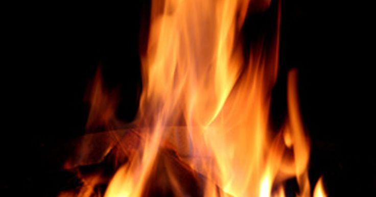 """Tipos de detectores de incendios. Los sistemas de detección de incendios son de un valor incalculable en la seguridad contra incendios residenciales e industriales. Casi el 50 por ciento de las muertes relacionadas con incendios residenciales ocurren en una estructura sin un detector de humo, según un estudio realizado por la National Fire Protection Association, titulado """"Informe ..."""