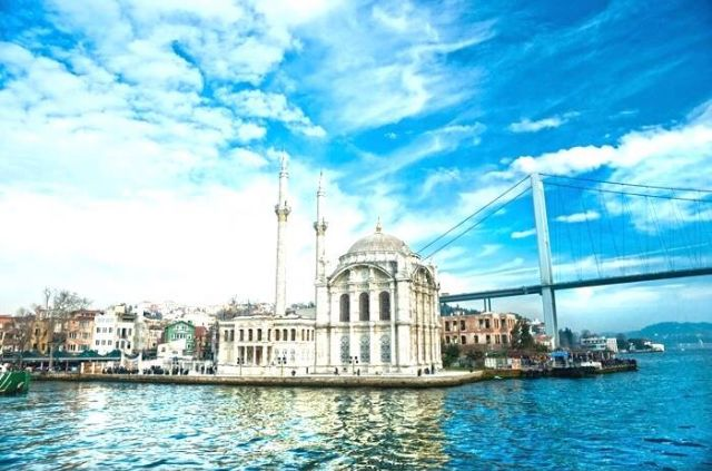 Lots of souvenir shops, cafes and amazing scenery overlooking to Bosphorus... Ortaköy is a must-visit place in the city!