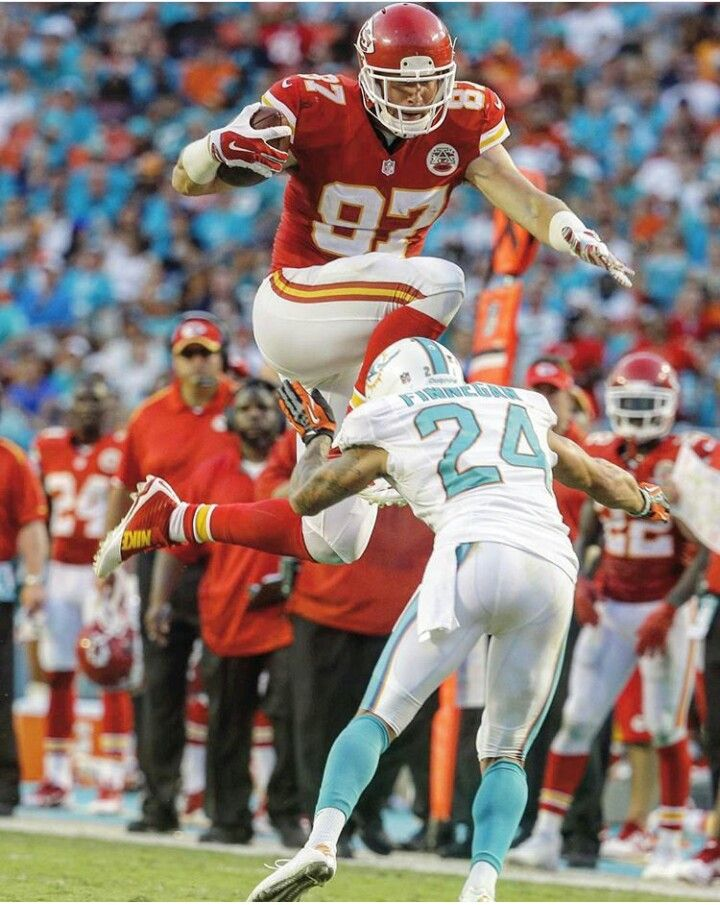 Cool shot of Travis Kelce