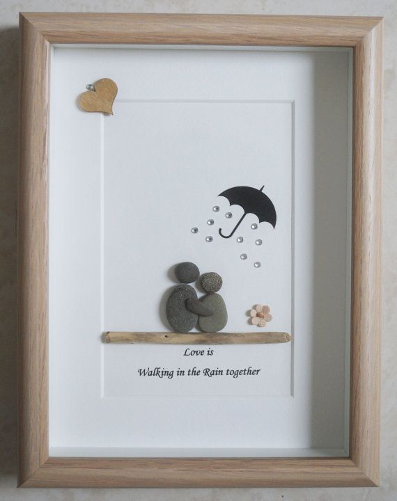 This is a beautiful small Pebble Art framed Picture of a Couple - Love is walking in the Rain together  handmade by myself using Pebbles, Driftwood, White Heart and Fabric Flower  Size of Picture incl Frame : approx. 22cm x 17cm  This Picture is only available as shown in Photo   Thanks for looking Doris   Facebook: https://facebook.com/Pebbleartbyjewlls4u      Product Code: P - Red