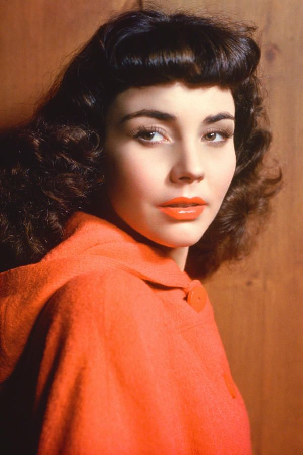 1944 Jennifer Jones - Southern Hair the Year You Were Born - Southernliving. She won an Oscar for her first starring role in The Song of Bernadette (1943)
