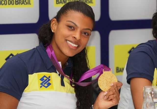 fotos de jogadoras e jogadores de volei do brasil - Pesquisa Google