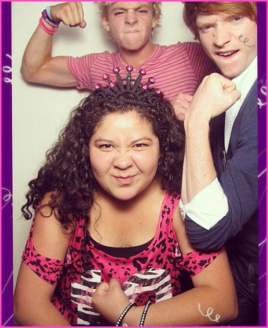 Raini Rodriguez Celebrates Her 19th Birthday With Ross Lynch And Calum Worthy