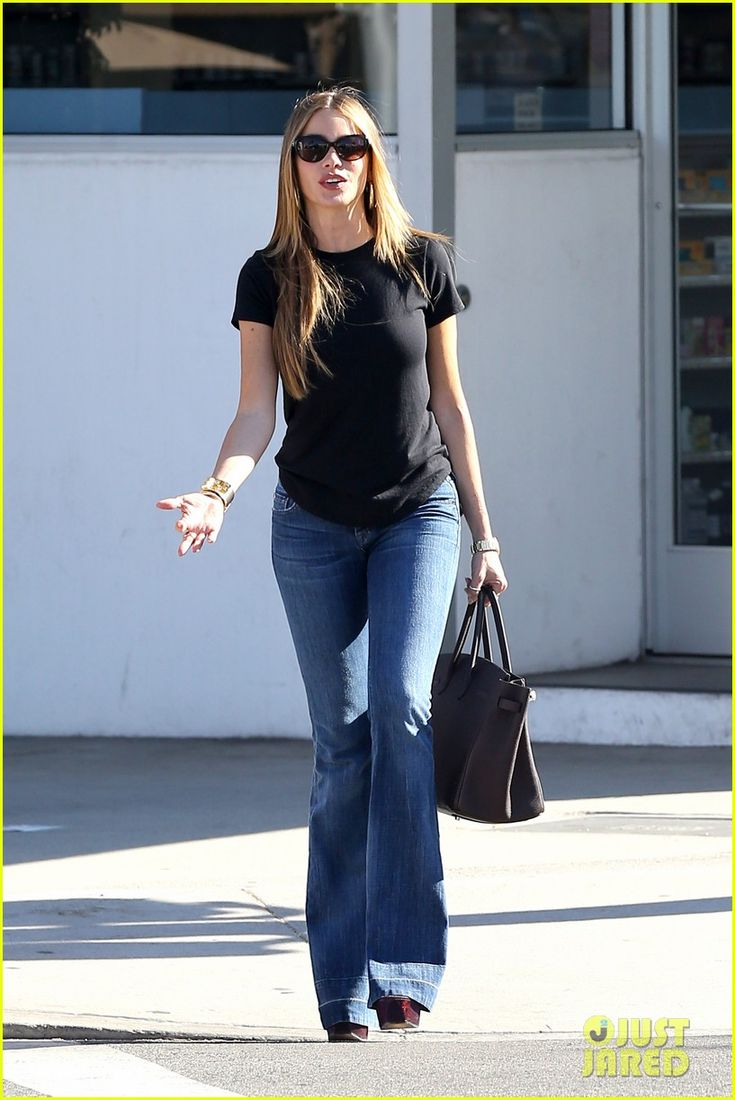 Sofia Vergara is effortless here with her black tee and denim, but heels and shapely jeans class this look up instantly!