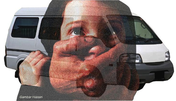 Polis beri amaran kepada orang ramai waspada dengan penculik van putih   Polis menasihati orang ramai supaya berhati-hati jika ternampak van putih di lokasi mencurigakan susulan kes cubaan culik kanak-kanak berumur 10 tahun di Kampung Datuk Keramat di sini Selasa lalu.  Ketua Polis Daerah Wangsa Maju Supt Mohamad Roy Suhaimi Sarif berkata ada kes cubaan menculik membabitkan empat lelaki dengan dua daripadanya memakai pakaian wanita menggunakan van putih.  Polis beri amaran kepada orang ramai…