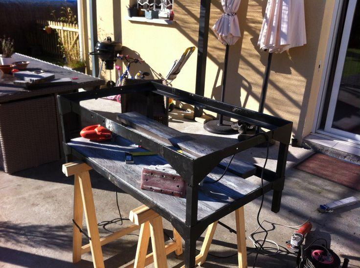 L 39 atelier de fabrication table industrielle en plein air for Commode metallique industrielle