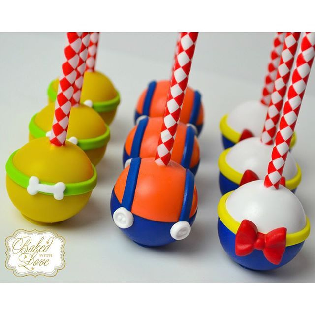 Circus Cake Pops - Mickey Mouse