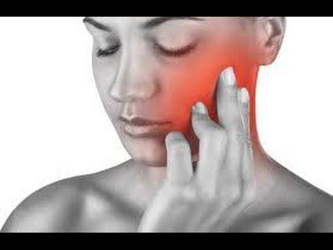 Como Aliviar Uma Dor De Dente Com Remédios Caseiros.Como Aliviar Uma Dor De Dente Com Remedios Caseiros. 2 Métodos: 1 - Usando soluções caseiras. Entendendo as limitações das soluções caseiras A dor de dente geralmente é dolorosa, deixando a pessoa muito mal e até interferindo com a rotina do dia a dia.  Além da dor no dente em si, você pode sentir algumas outras coisas, tais como: febre leve, inchaço no local do dente afetado ou dor na mandíbula.  Há vários remédios caseiros para aliviar…