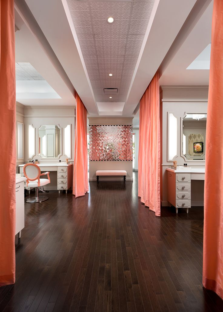 Love the pretty in pink Blushington Make-Up Bar! xoxo beautylove aprons