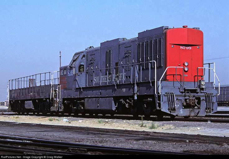 RailPictures.Net Photo: SP 8799 Southern Pacific Railroad K-M ML-4000 at Bloomington, California by Craig Walker
