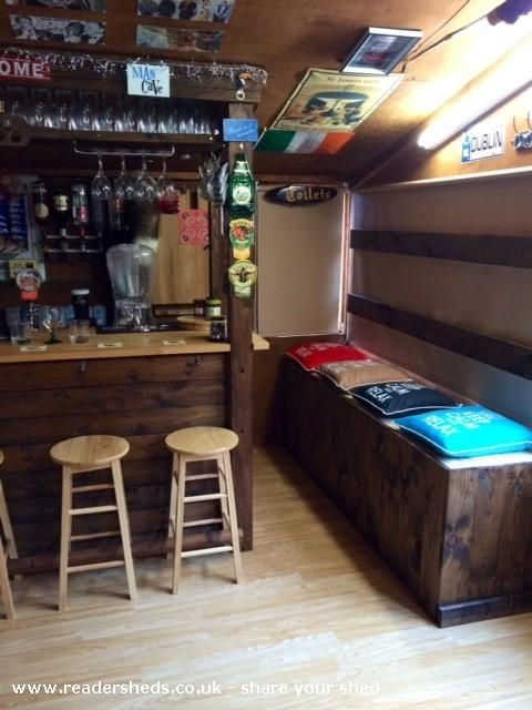 Mancave, Pub Shed from Bottom of garden #shedoftheyear Readersheds.co.uk