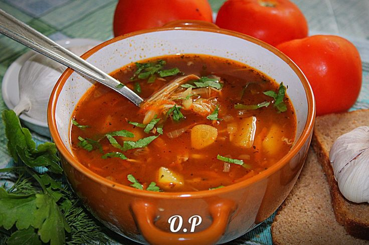 Чесночный суп  Автор: Ольга Романова  Для приготовления понадобится:  куриное филе - 300 гр  картофель- 4 шт  морковь - 1 шт  репчатый лук - 1 шт  чеснок - 6-7 зубчиков  томатная паста - 1 стол ложка  соль и специи - по вкусу  растительное масло - для жарки  зелень -для подачи  расчёт на 3-4 литра  Куриное филе отварить до готовности,вынуть из бульона, нарезать на небольшие кусочки и переложить обратно в бульон  Картофель,морковь, репчатый лук и чеснок очистить  Картофель нарезать на средние…