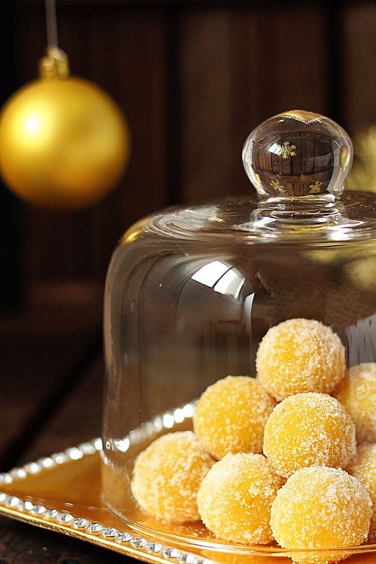 Todos estos dulces no pueden faltar en vuestras casas estas navidades y no solo por lo riquísimos que están y por la variedad, ya que hay pa...
