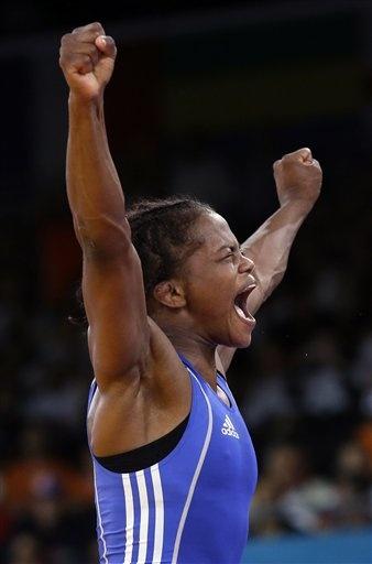 Jackeline Rentería, medalla de bronce en lucha libre.