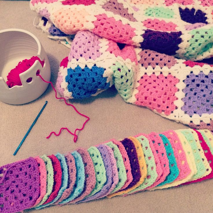 Crochet granny squares, Crochet mood blanket 2014 | Bella Coco