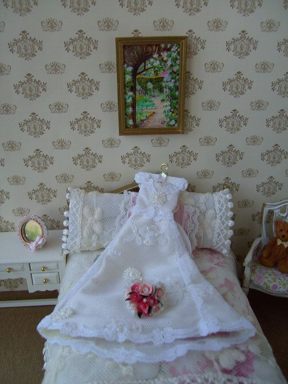 Dollhouse wedding dress. 1/12 scale. White Lace over cream satin. Display dress only. Dollhouse miniature.