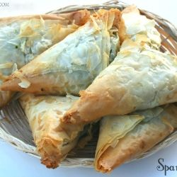 Spanakopita - Delicious Greek pastry pie filled with spinach and cheese. Yumm!!