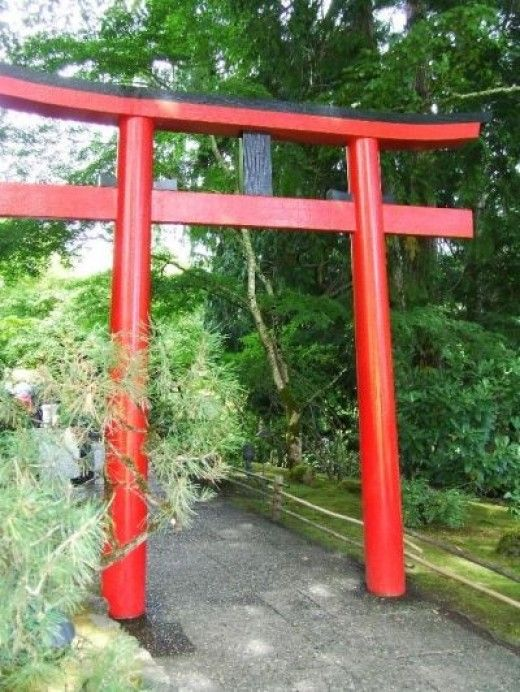 17 best images about japanese torii gates on pinterest for Japanese garden entrance