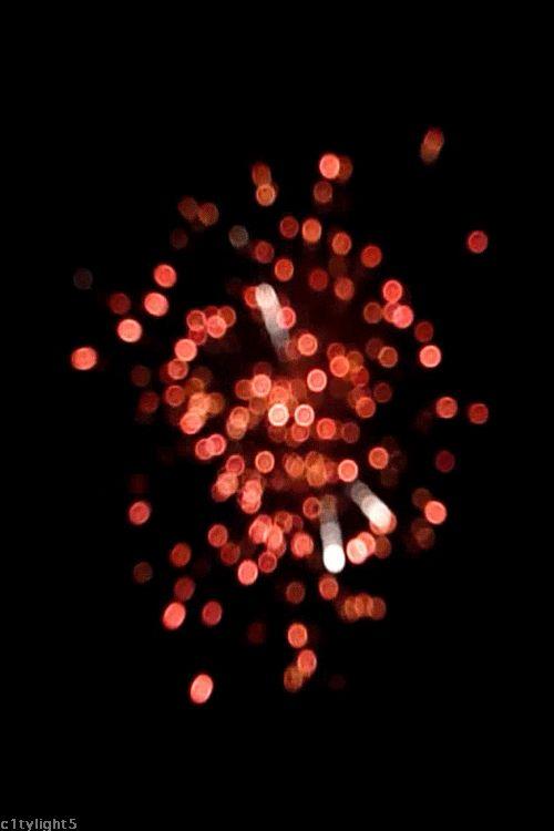 c1tylight5:  Bokeh Fireworks (gif by c1tylight5)