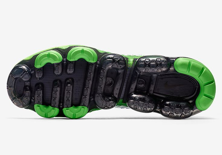 The Nike Doernbecher Freestyle Collection is always one of the most popular series of the year, and this year's lineup includes one of the most popular silhouettes in recent memory – the Nike VaporMax. This unique VaporMax, designed by Andrew … Continue reading →
