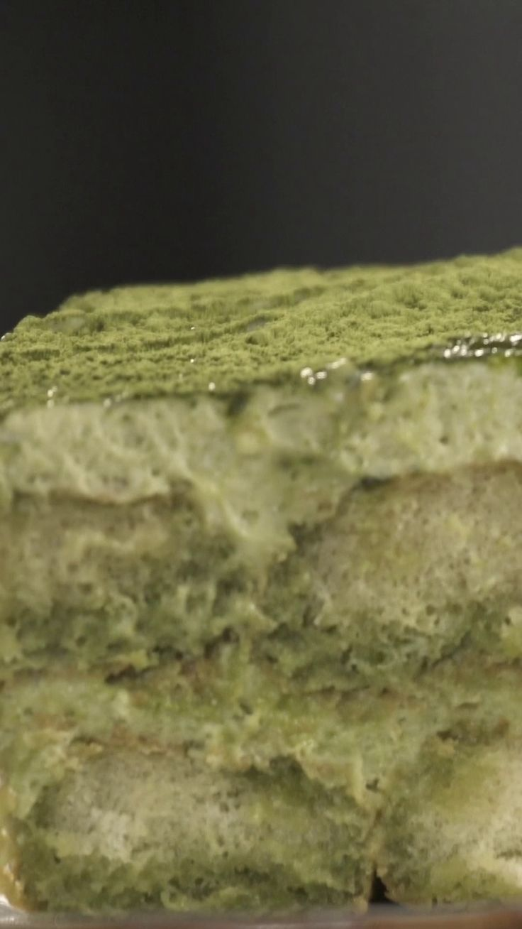 Making green tea tiramisu couldn't be easier. Try it yourself.