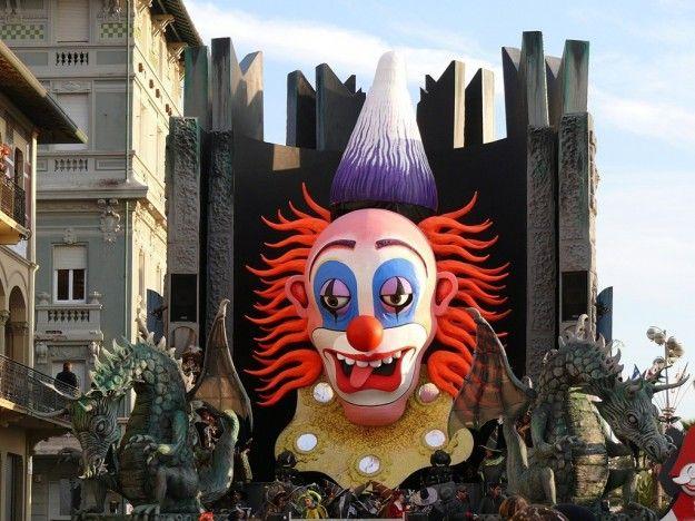 Carnevale Di Viareggio | Pagliaccio spaventoso - Carnevale di Viareggio
