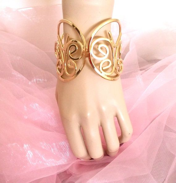 shiny butterfly cuff bangle - Gold brass color look